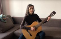 Дольщица скандального ЖК в Петербурге спела песню о долгостроях России
