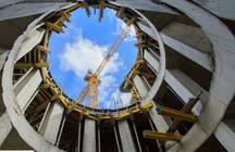 Законы, бедность и демографический кризис «бьют» по рукам девелоперов: объемы новых строек отстают от планов властей