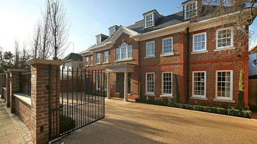 Политические разногласия не мешают обеспеченным россиянам скупать недвижимость в Лондоне