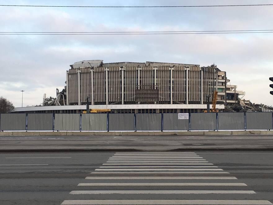 Руины СКК «Петербургский». Автор фото: Красимир Врански