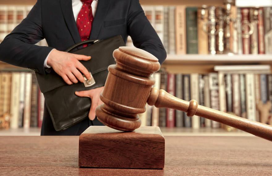 Универсальных способов избежать мошенничества — нет, отмечает юрист