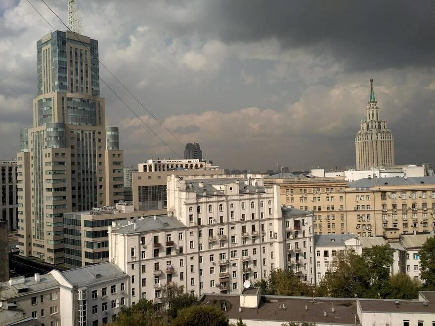 При срочной продаже продавцам приходится делать скидку 15-20% в Москве и 10-15% в Петербурге