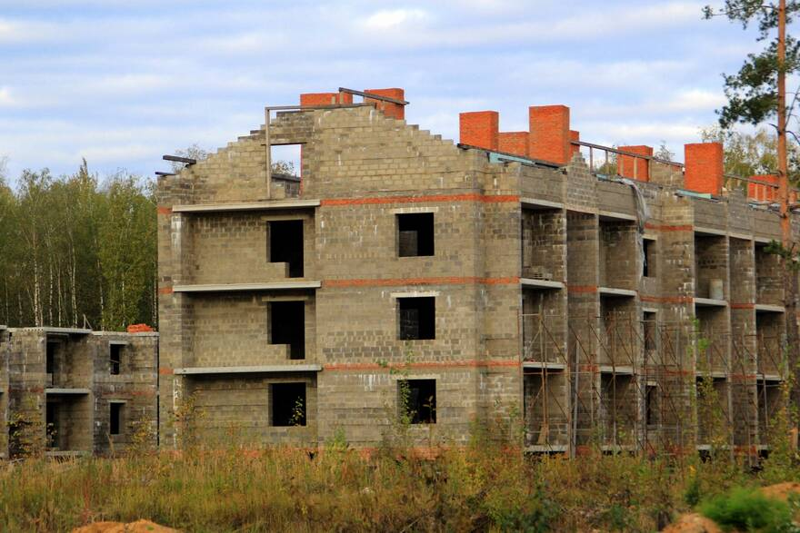 Обманутые дольщики попросили Правительство РФ освободить их от НДФЛ при продаже квартир в долгостроях