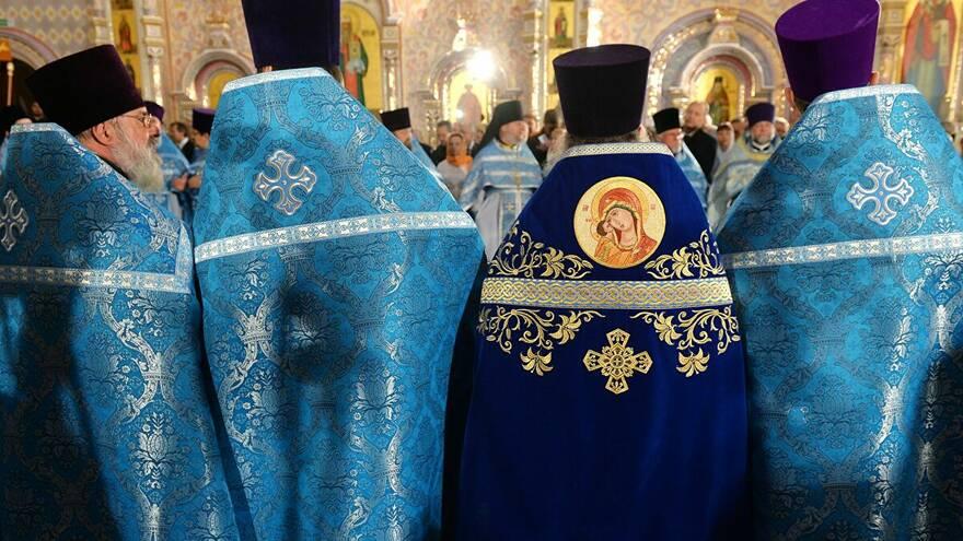 Обманутые дольщики России обратились к духовенству