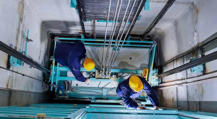 Власти предложили компенсировать затраты на замену лифтов из Фонда капремонта