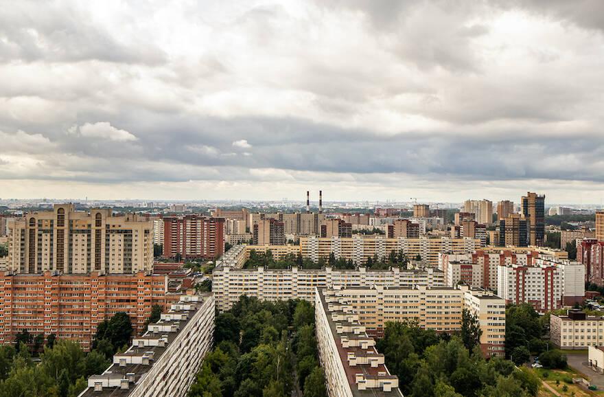 Число сделок купли-продажи в Москве выросло на треть за месяц