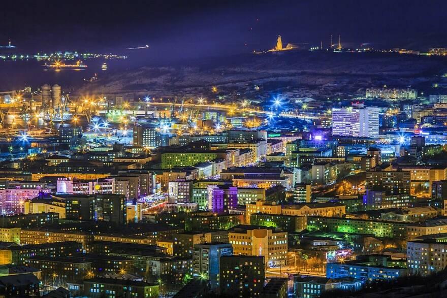 Куда переезжать россиянам за высокими зарплатами и дешевым жильем?