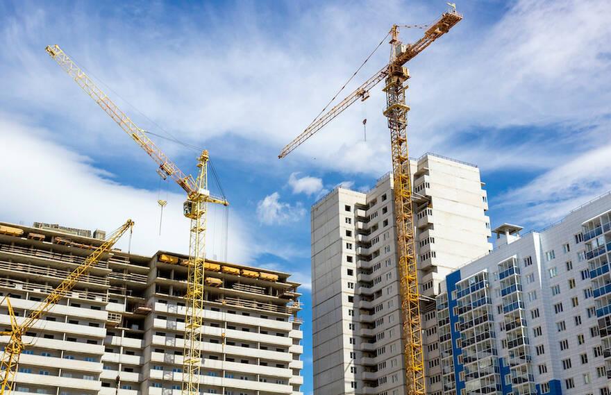 Власти примут меры, чтобы остановить рост цен на жилье и возобновить строительство недорогих ЖК