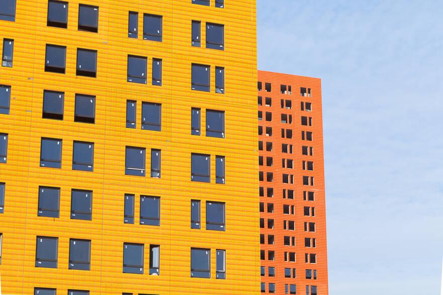 Рост цен на жилье минимум на 5%, сокращение сделок на 15% и дефицит новых проектов — девелоперы рассказали, что ждет рынок после Нового года