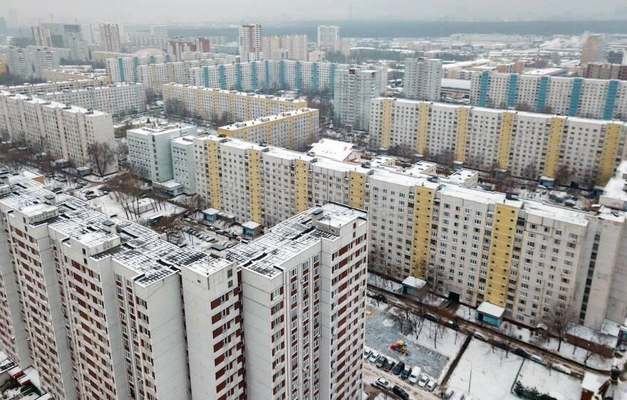 Спрос и цены на «вторичку» могут упасть в ближайшие месяцы: собственникам жилья рекомендуют воздержаться от продажи