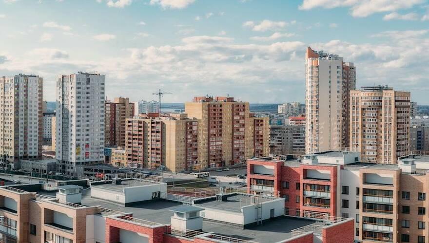 Купить жилье и заработать: где в стране квартиры окупаются быстрее всего за счет арендаторов