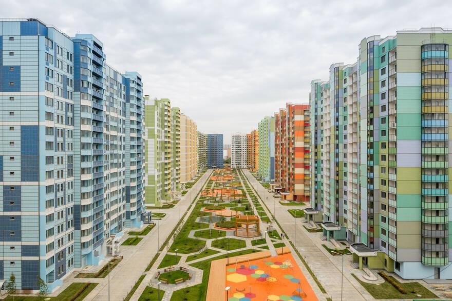 Панельные дома становятся вымирающим видом жилья в Москве: предложение за 5 лет упало в 4 раза, число продаж стремится к нулю