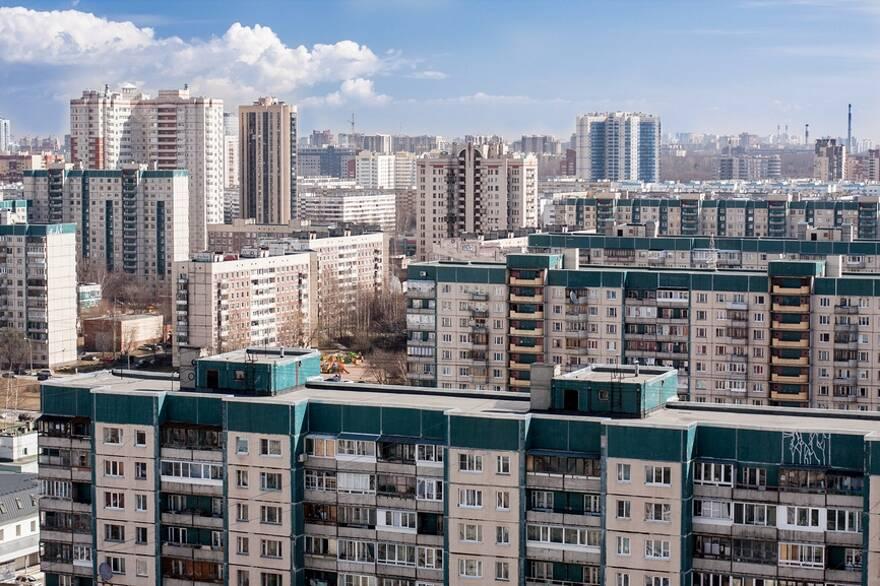 Госдума поддержала проект об институте типового проектирования. Эксперт рассказал, когда россиян вновь «загонят» в «панельки»