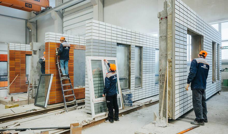 В России начнут массово строить дома-конструкторы: треть новостроек будут возводить из цельных стен