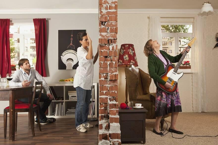 Арендаторы квартир смогут безнаказанно шуметь: юрист оценил, насколько это справедливо