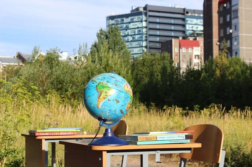 «Уникальный случай для Петербурга»: за 20 лет с начала застройки в Средней Рогатке не появилось ни одной школы