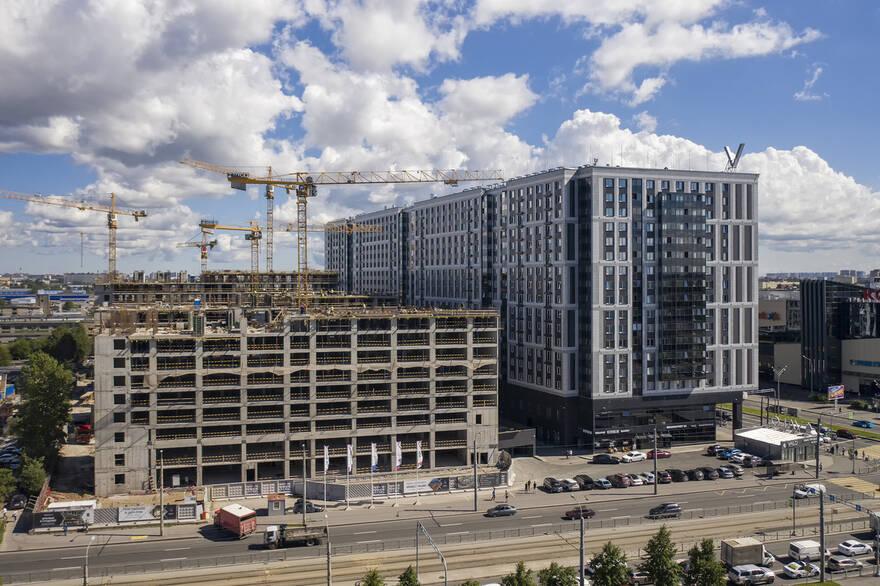 Целый сегмент недвижимости в Петербурге попал в ловушку: цены для покупателей вырастут, но застройщики все равно потеряют прибыль