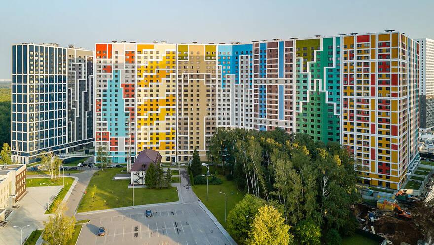 Продажи «вторички» в Москве рухнули на треть: собственникам приходится снижать ценник на квартиры