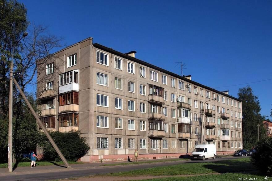Ленобласть «вписалась» в реновацию: «хрущевок» и бараков слишком много, жилье на новых территориях не найдет покупателей