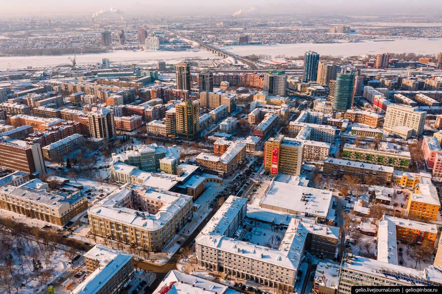 Россияне скорее сбегут за границу, чем отправятся в сибирские города Шойгу: население недовольно жизнью и доходами